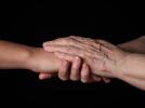 어르신 돌봄 서비스 관련 이미지